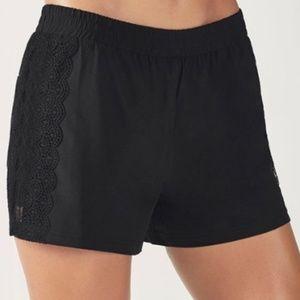 Fabletics Cynthia Shorts Black Running Athletic L